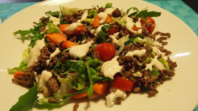 jauheliha, jauhelihasalaatti, salaatti