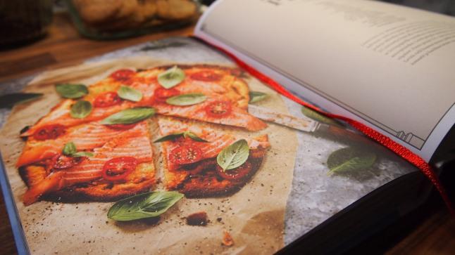 Kylmäsavulohipizza